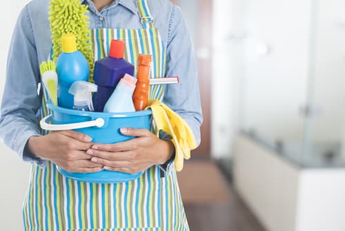 How do I make a house cleaning schedule